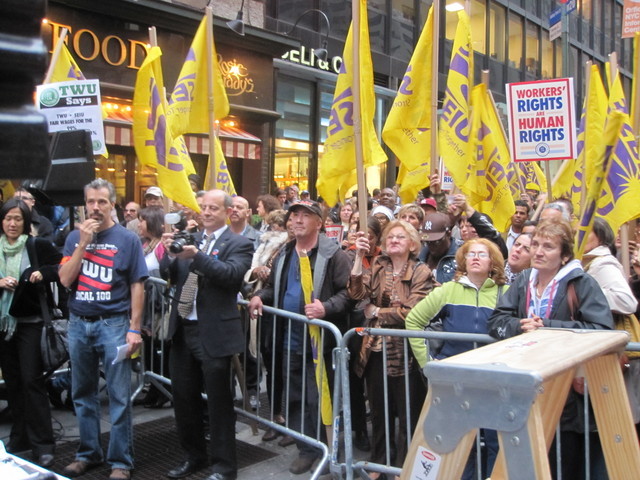 Unions rally during negotiations