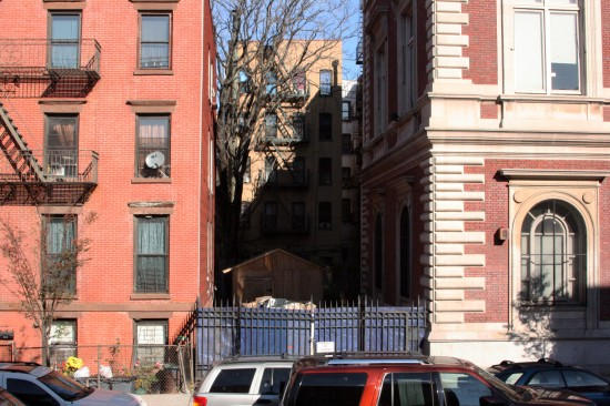 Why is Mott Haven library a dump site, neighbors ask